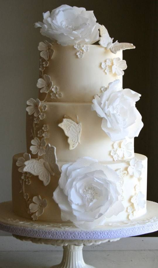 Claire Pettibone 'Papillion' inspired wedding cake by Sada Ray of Flutterby Bakery http://www.clairepettibone.com/bridal/?cp=gowns/papillion