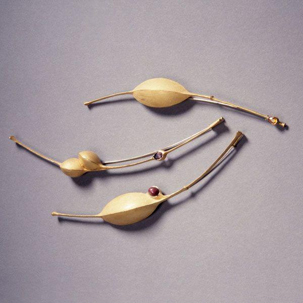 By Herbert Fischer. 1990-92. Gold 750,,,