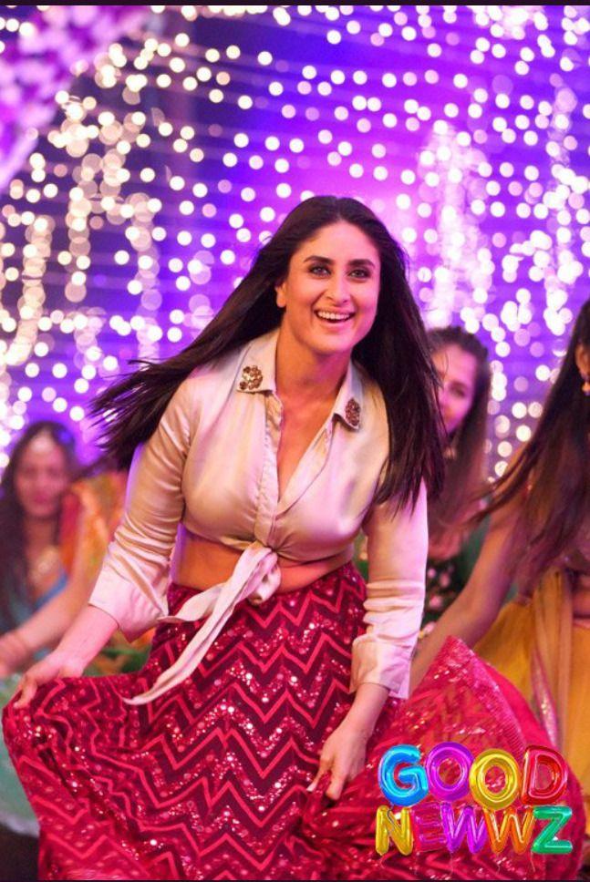 Deepaishworld Hq Pics Of Kareena Kapoor Khan From Laal Ghaghara Karina Kapoor Dress Sangeet Outfit Wedding Lehenga Online