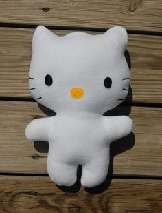 FREE Hello Kitty Felt Toy Plushie Pattern and Tutorial