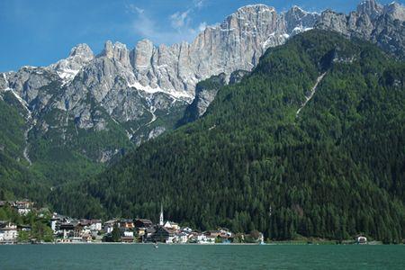 Lago di Alleghe e Civetta