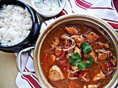 Hint ve Portekiz mutfağının gözdesi, bol kaşıklık yemek.  Vindaloo Tarifi