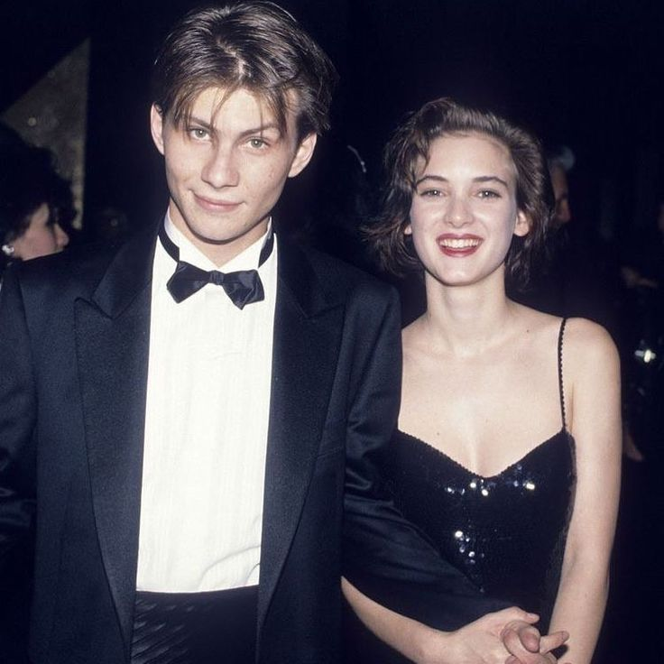 💕Hollywood's one-time it couple and Heathers co-stars , Winona Ryder and Christian Slater were the cool kids attending the 1989 governors…