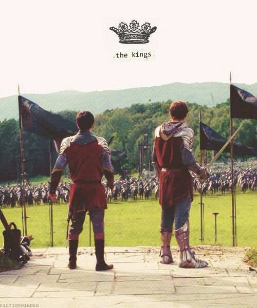 The Kings of Narnia, I love how they just stand there as a massive army is charging towards them about to attack!