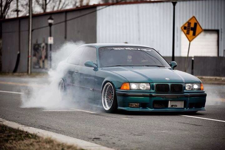 687 best e36 s rie 3 images on pinterest bavarian motor for Garage bmw 33