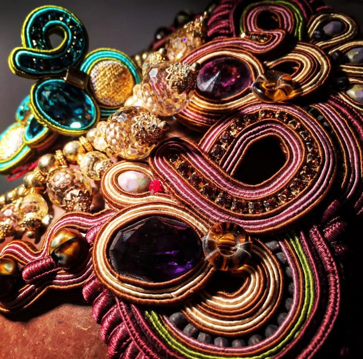Dori's jewelry brings wonderful colors  & textures to fall styling...as seen on display at Foolsgold, Dusseldorf, Germany  #doricsengeri #dusseldorf #couturejewelry #wearableart #designerjewelry #fallcolors #falltrends #luxejewerly