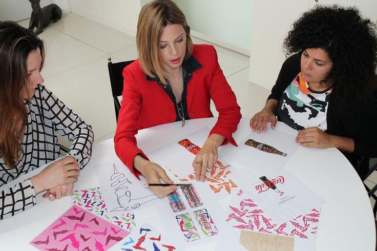 Gaia Trussardi nell'ufficio stile TRUSSARDI a lavoro per la creazione delle lattine TRUSSARDI per Coca-Cola light #ElegantlyCool