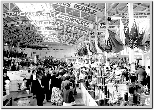 Crowds at pavilion 1954