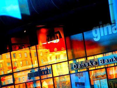 Satu Ylavaara CV: Valokuvaan kaamoksen keskellä neonvaloja