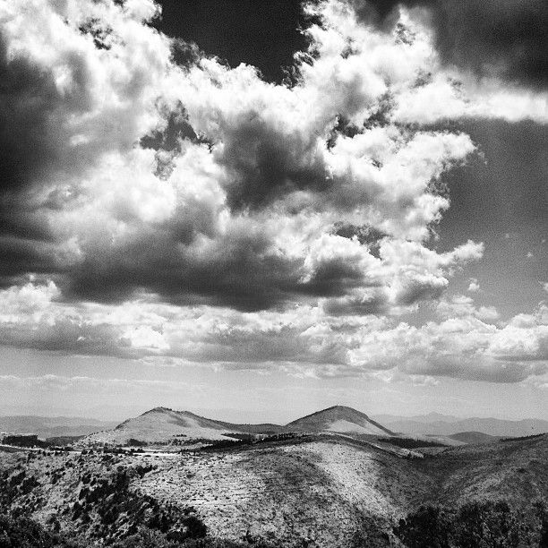 Mountains vs Clouds http://www.tumblr.com/blog/elafini