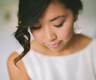 Brudstyling   Makeup & hår: Sofia Boman www.brudmakeup.se   Foto: Beatrice Bolmgren #bröllop #wedding #bride #bridalmakeup #bridalhair #bröllopsstyling #bröllopsmakeup #hairstyling #hairupdo #braids #fläta #håruppsättning