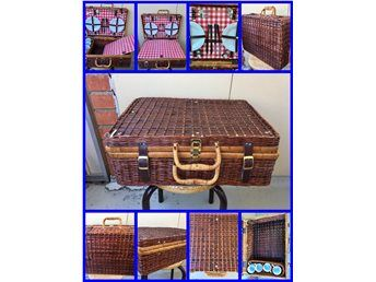 Retro Picknick Väska 50x36x20cm /Besticken & Muggar & Tallrikar Oanvänd /