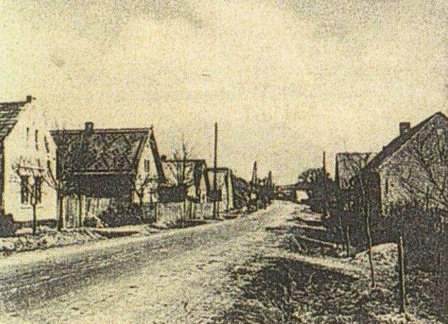 Bulánka, CZ: hlavní ulice: Birthplace of Maria Divisova, born 1838