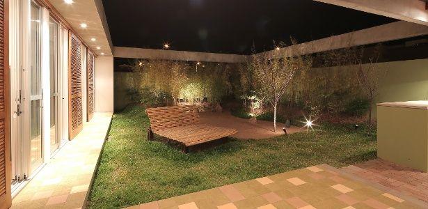 Casa tem teto especial e pátio interno para combater calor do interior de SP