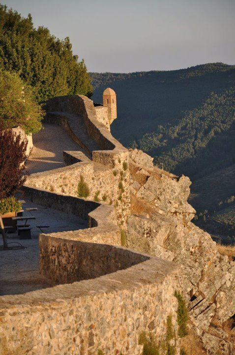 Marvão, Alentejo, Portugal - Isabel Alfacinha Photography - Thanks to King Sancho II, the first official charter was awarded to the town of Marvao in the 13th century #Marvao #Alentejo #Portugal