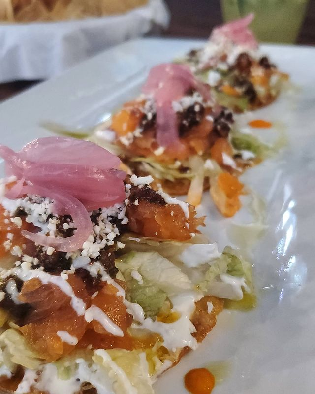 Luna Modern Mexican Kitchen On Instagram A Hot Day Calls For Lunas De Salmon With Tequila Cured Smoked Salmon On Wonton Tostadita Mexican Kitchens Food Yummy