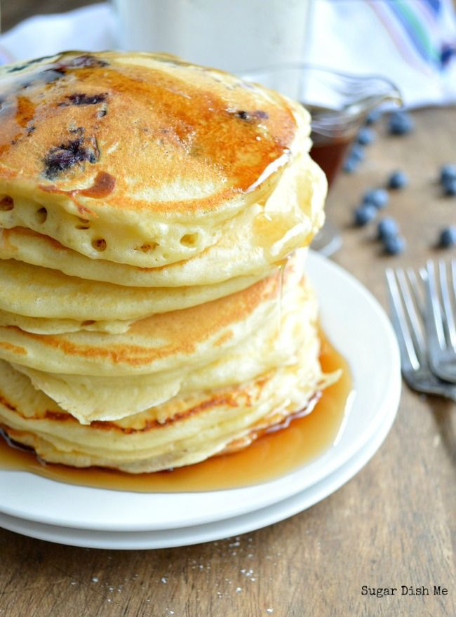 Homemade Fluffy Pancake Mix for THE BEST big fat fluffy pancakes! 1 cup mix + 1 cup milk + 1 egg = breakfast in less than 10 minutes!
