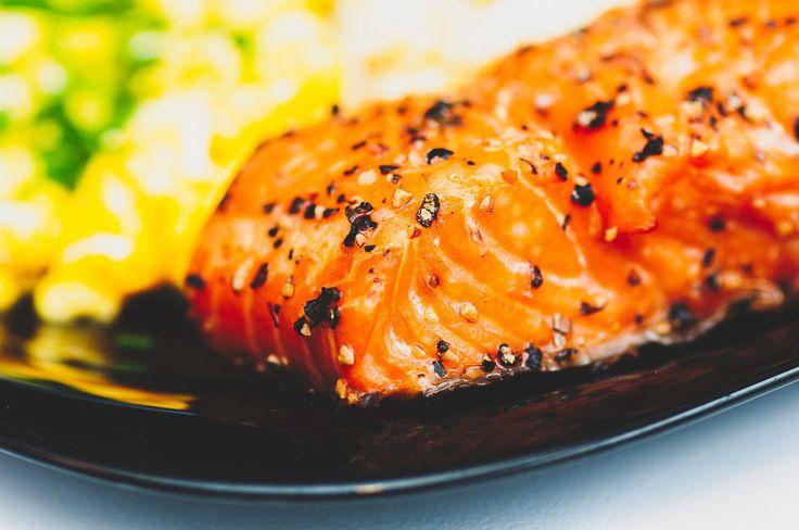 Las proteínas son fundamentales en una dieta. Entre otros beneficios, te ayudan a mantener los músculos más firmes. Son saciantes, el cuerpo necesita mas energía para digerirlos. Si son de origen …