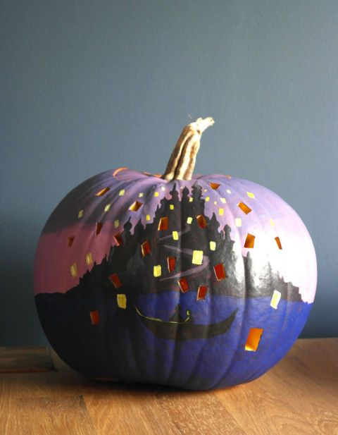 Taken from a scene in the Rapunzel-inspired movie, this pumpkin decor will help you see the light. << AHH <3
