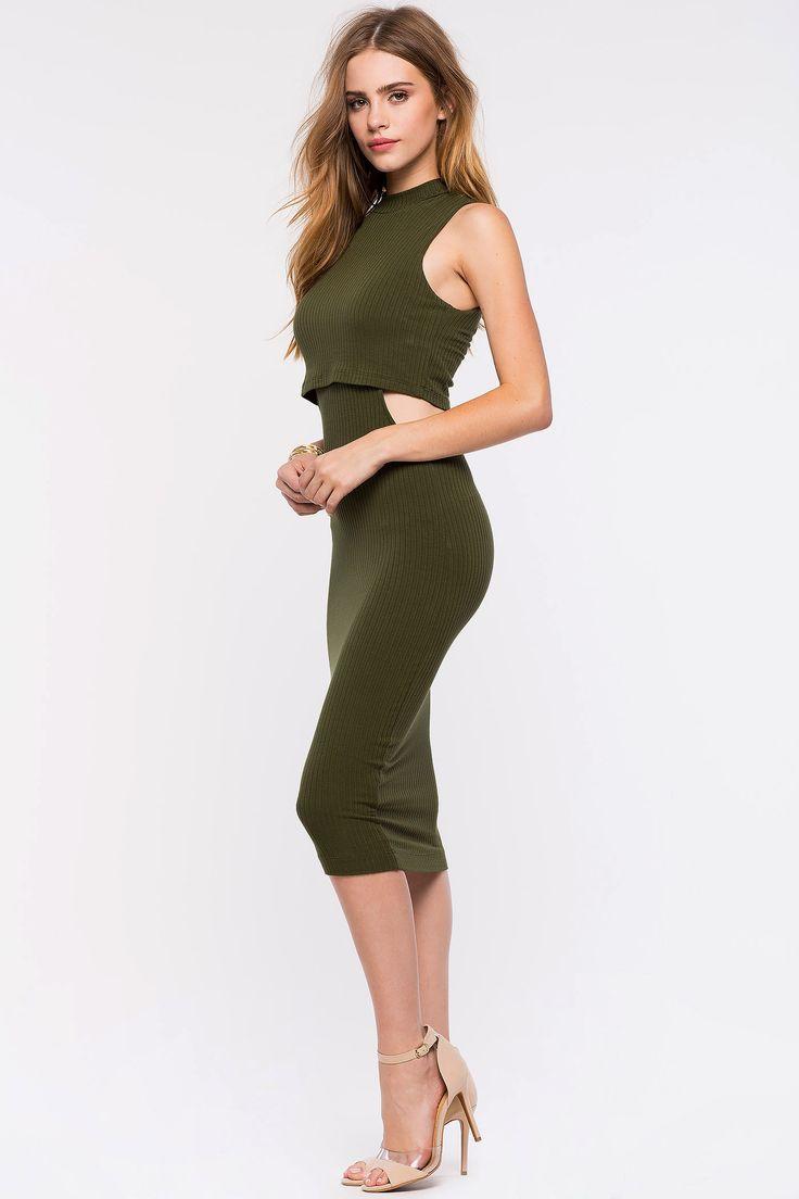 Платье с вырезами Размеры: S, M, L Цвет: оливковый Цена: 1693 руб.  #одежда #женщинам #платья #коопт