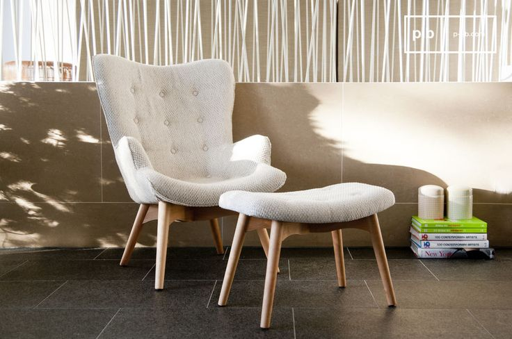 El sillón Colombine es un sillón vintage escandinavo. Es un sillón que se vería elegante en un salón o en un dormitorio.