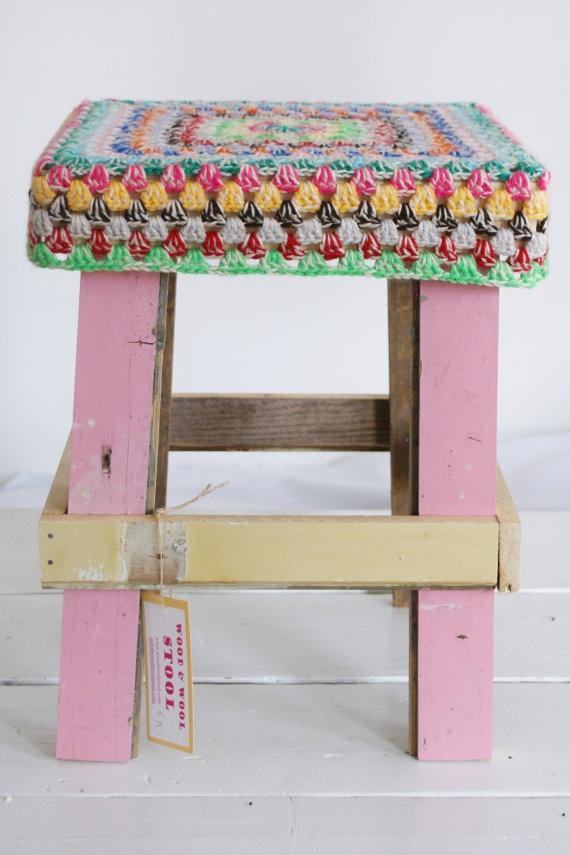 wood & wool stool.