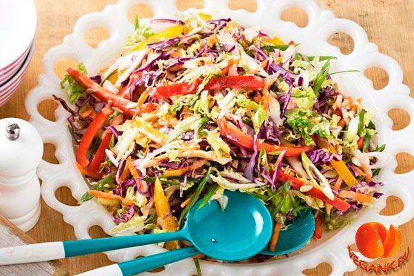 Салат радуга слоу с соусом тахини
