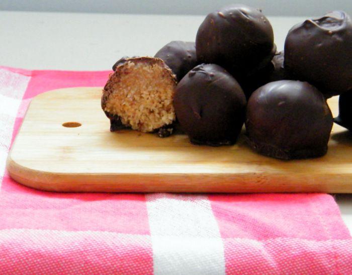Een heerlijk recept voor zelfgemaakte en gezonde bounty's! - Tante Pollewop