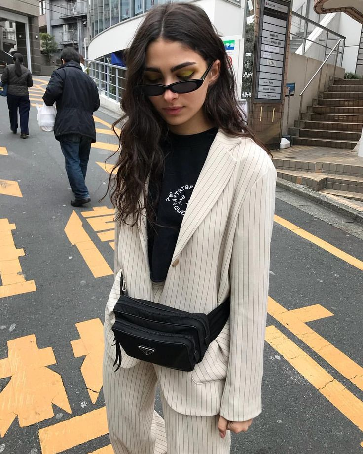 6c48815204de Love the fanny pack | Style Spy in 2019 | Fashion, Fashion outfits ...