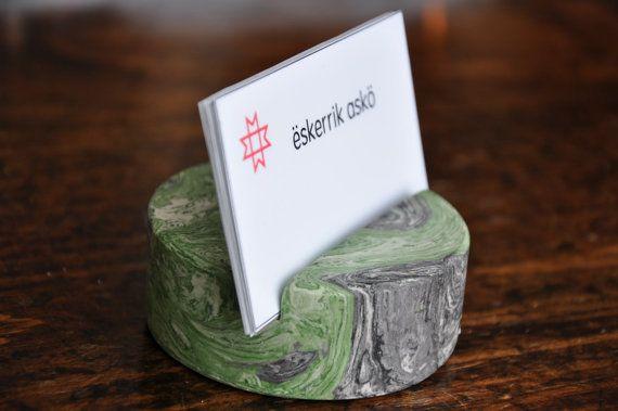 Support pour cartes de visite en marbre. par eskerrikasko sur Etsy