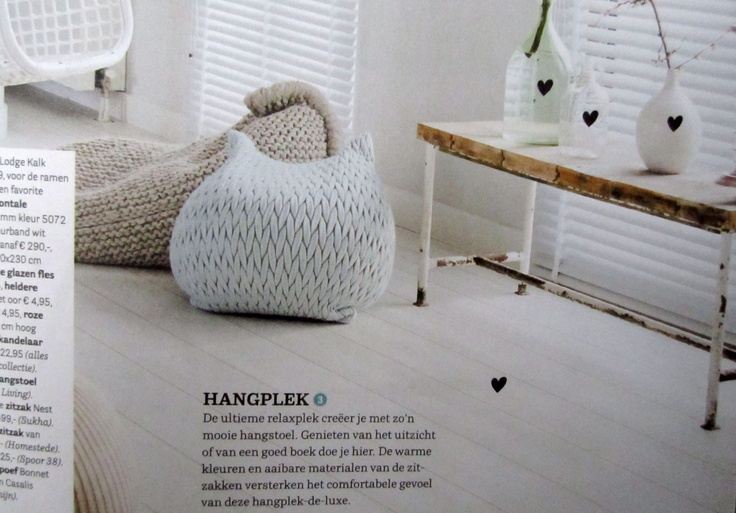 #VTwonen #May #2012 #Magazine #Zilalila #Shopping #Amsterdam #Interior #Inspiration #Cosy #White #Warm #Fairtrade #Eco #Friendly #Conscious #Gebreid #Cushion #Pillow #Blanket #Handmade #Nepal #Shop @ http://zilalila.com/shop/all-we-have