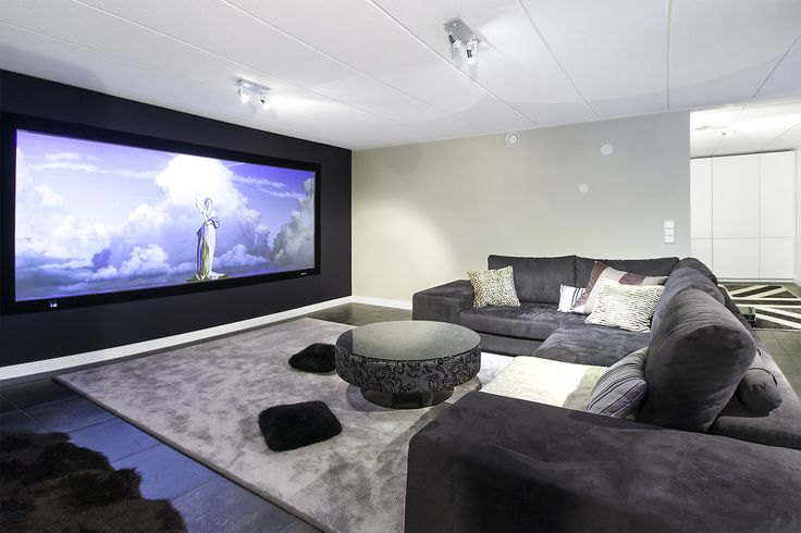 #interiordesign by #idalestinendesign #inspiration #interior #inredning #interiordesign #interiør #decor #movieroom #manor #sisusttus #sisustussuunniteelijaSI #sisustussuunnittelija #sisustussuunnittelutomisto #tvhuone #elokuvahuone #kotiteatteri #valkokangas #omakotitalo #kartano