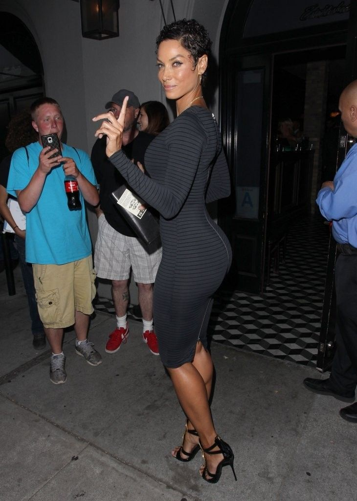 Nicole Murphy Photos Photos - Celebrities enjoy dinner at Craig's Restaurant on June 25, 2015 in West Hollywood, California. - Celebrities Dine out at Craig's Restaurant in Hollywood