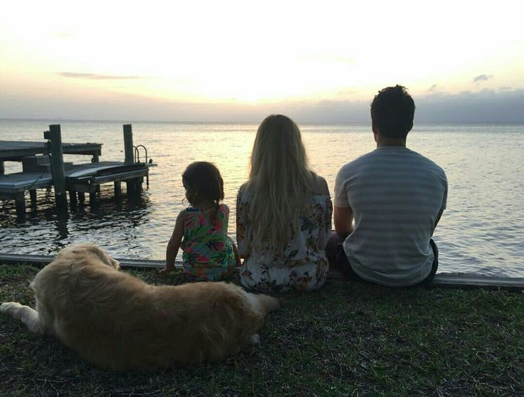 John and Ali with neice Vivi watchin that gorgeous sunset.