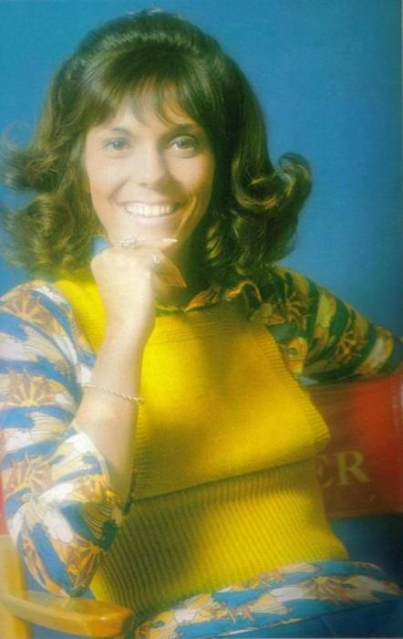 Karen Carpenter, 1973. My favorite singer of all time. I remember singing The Carpenter's songs and harmonizing to every one.