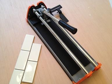 ceramic tile cutter - © Home-Cost.com 2013