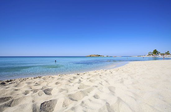 57 Γαλάζιες Σημαίες στα κρυστάλλινα νερά της Κύπρου!