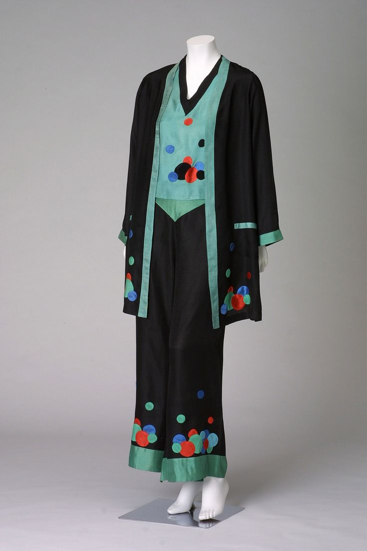 """""""VanderBiltmore Style"""" Pajamas, c. 1925-France Designer:  unknown Brand:  unknown Material:  dobby woven rayon with small diamond-shaped pattern; appliqué of blue, green, and red polka-dots"""