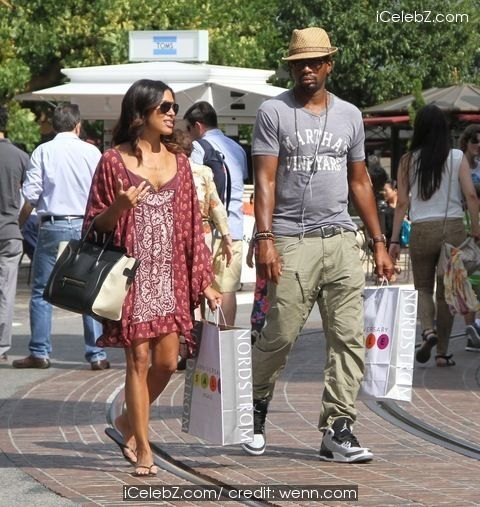 Bill Bellamy Goes shopping with his wife Kristen Bellamy at The Grove in Hollywood http://icelebz.com/events/bill_bellamy_goes_shopping_with_his_wife_kristen_bellamy_at_the_grove_in_hollywood/photo1.html