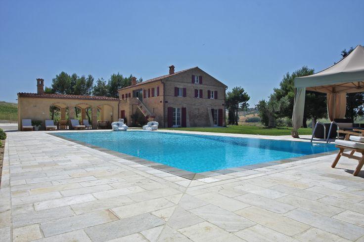 #solarium realizzato con #quarzite #multicolour #swimming #pool #outdoor #real #stone #design info@jaipurpietre.com