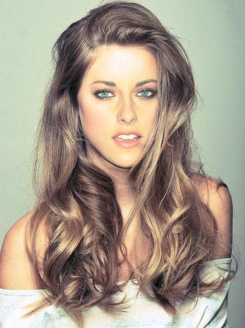 The 25  best Brunette blue eyes ideas on Pinterest  Dark hair blue eyes, Brunette with blue