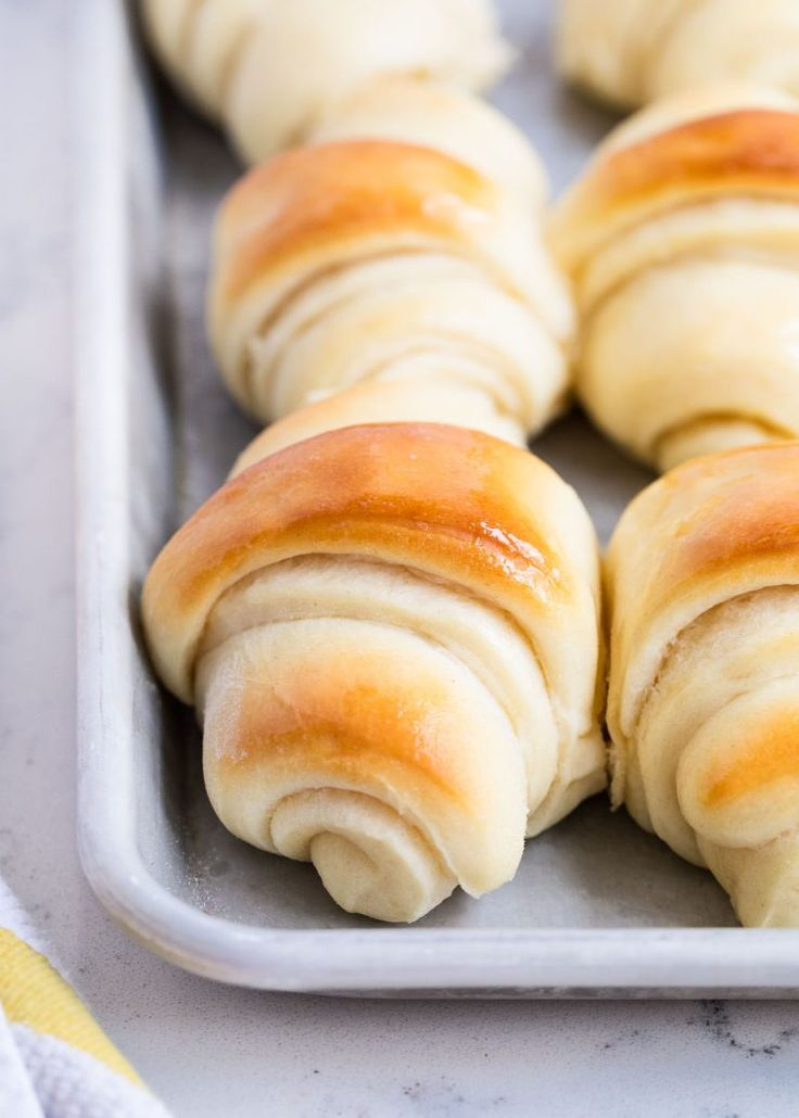 Perfect potato rolls recipe -these rolls are so tender and soft with an amazing flavor. The perfect dinner roll for any occasion!