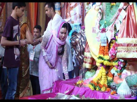 Kavita Verma visits Andheri Cha Raja for Ganpati Darshan   Ganesh Chaturthi 2014.