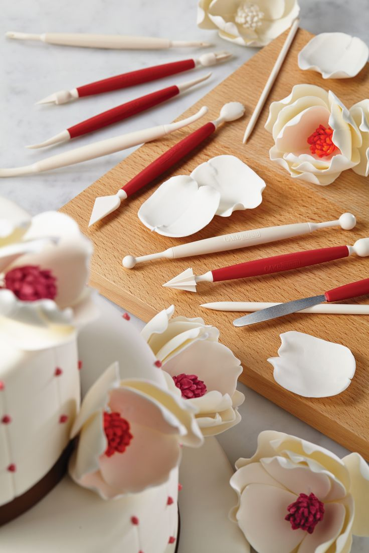 Best Cake Decorating Gadgets : 13 best images about Fun with Fondant on Pinterest ...
