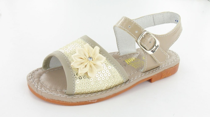 Brown Sandal for this summer! www.calzadokinder.com