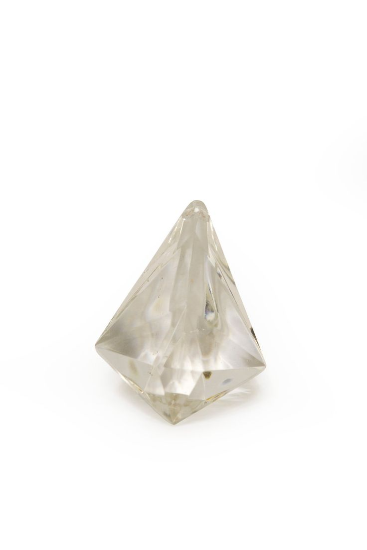 € 6,95 - Kroonluchter glaswerk. Kraal in de vorm van een driehoek met facetten.
