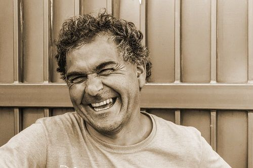 تفسير حلم ابتسامة الميت للحي للعزباء والمتزوجة Laughter Motivational Quotes For Men Old People
