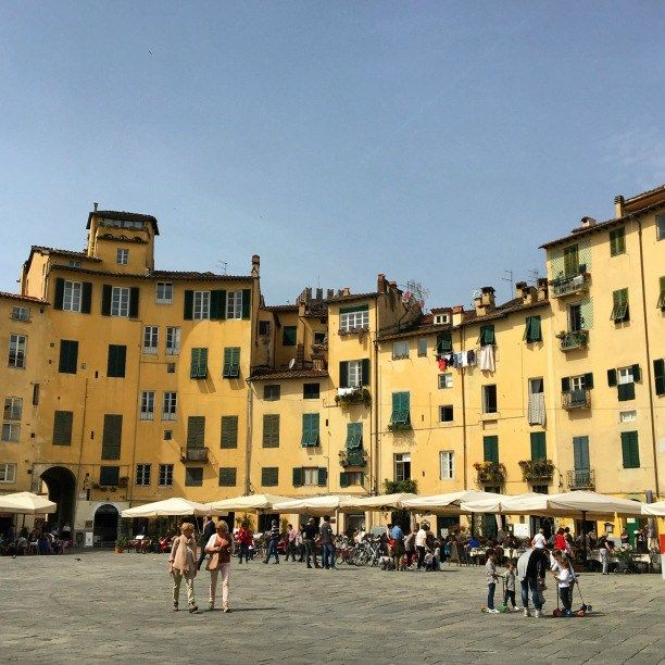 Life in Italy: Piazza Anfiteatro in Lucca, Tuscany  on instantlyitaly.com