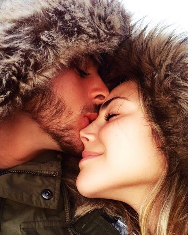 40 Best Selfie Poses For Couples Buzz 2018 Cute Couple Poses Selfie Poses Cute Couple Selfies • largest collection of couple selfie photo pose. 40 best selfie poses for couples buzz
