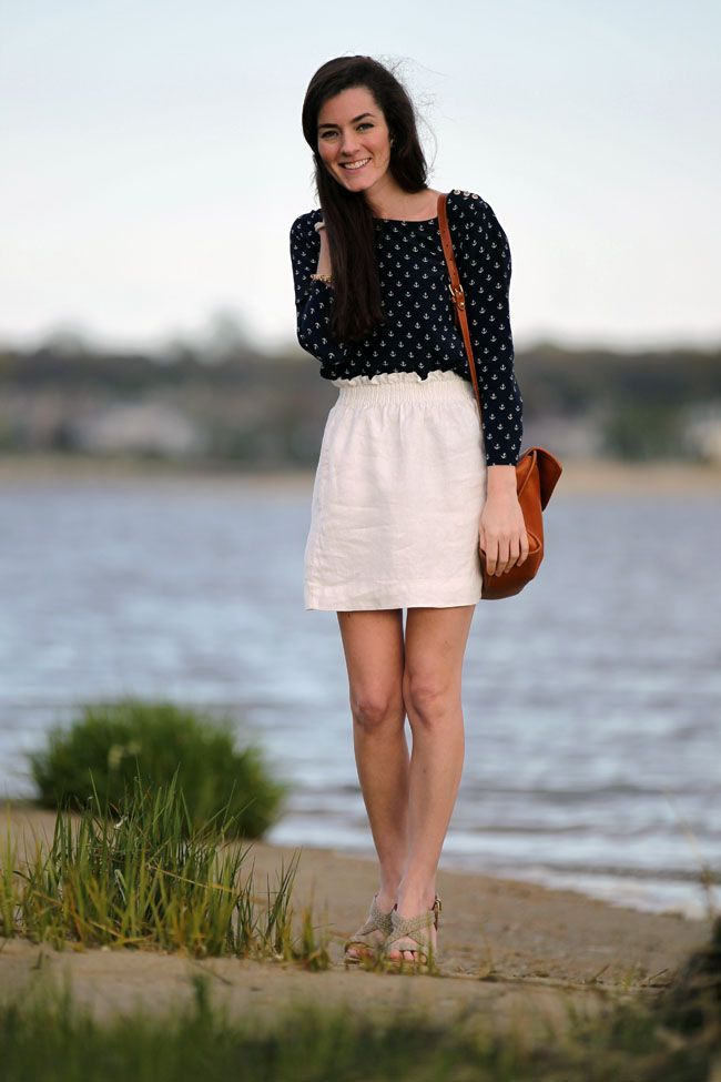 Patterned blouse with high-waisted skirt
